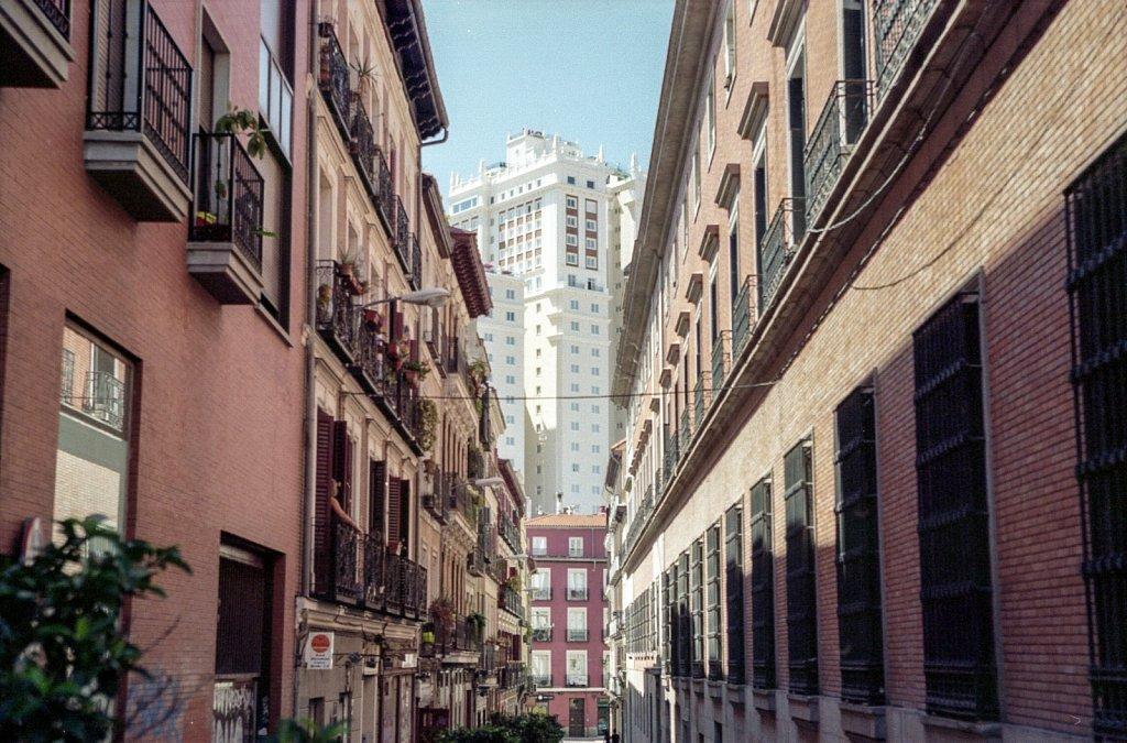 2019-08-ANLG-Nikon-EL-Kodak-Portra-160-Madrid-008.jpg